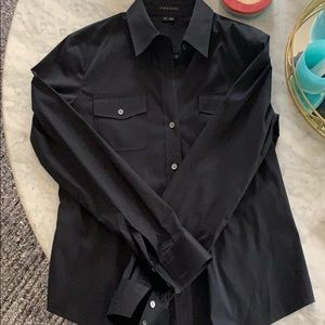 New theory button down too